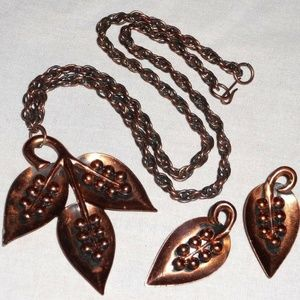 Jewelry - VTG Solid Copper Artisan Leaf Necklace Earrings